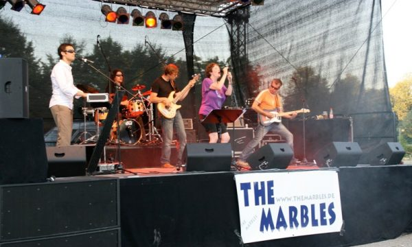 The Marbles in concert